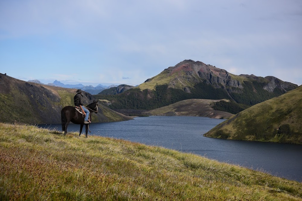 Hotel Vira Vira, Chile - Horse Riding Lake View