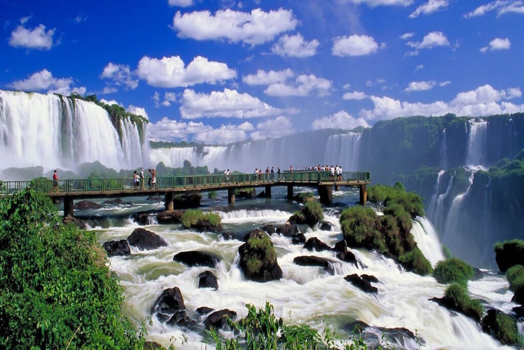 Iguazu Falls – The Perfect Getaway Between Brazil & Argentina