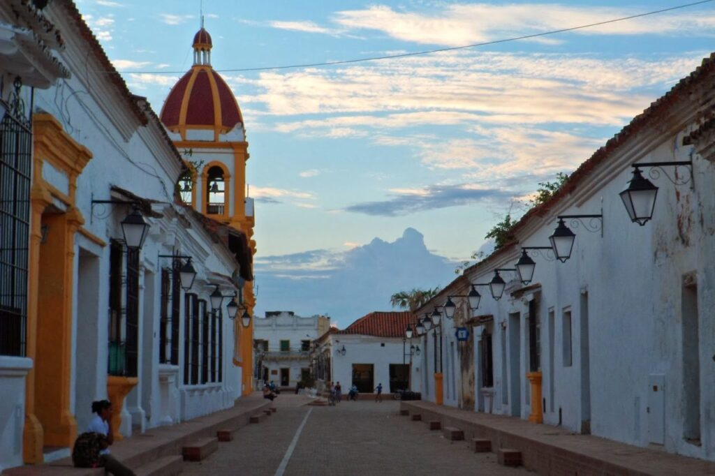 Mompos or Santa Cruz de Mompox: Trapped in Time