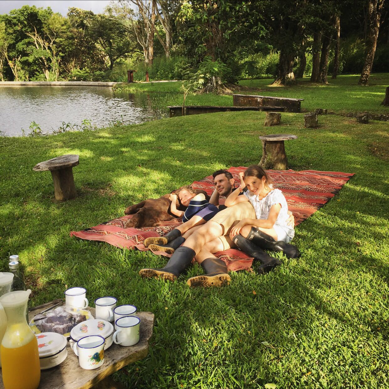 Hacienda Montezuma Costa Rica - Family Picnic