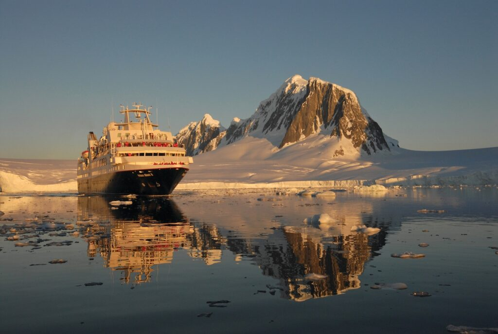 Silver Explorer, Antarctic Cruise - Ship Exterior