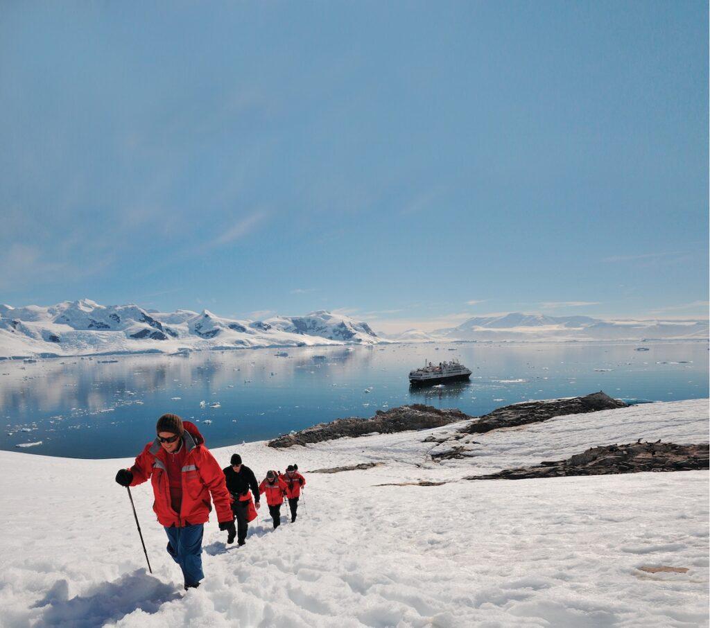 Silver Explorer, Antarctic Cruise - Trekking