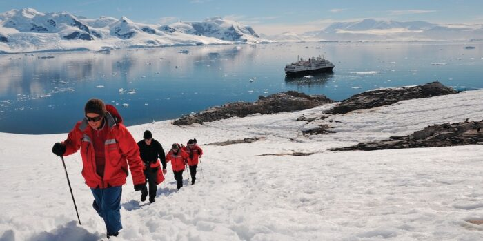 Silver Explorer - Antarctic Cruise - Trekking