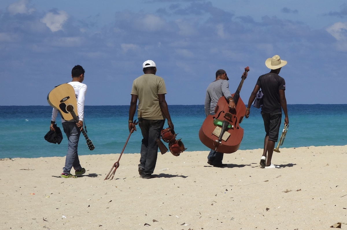 Cuba - Music on the Beach