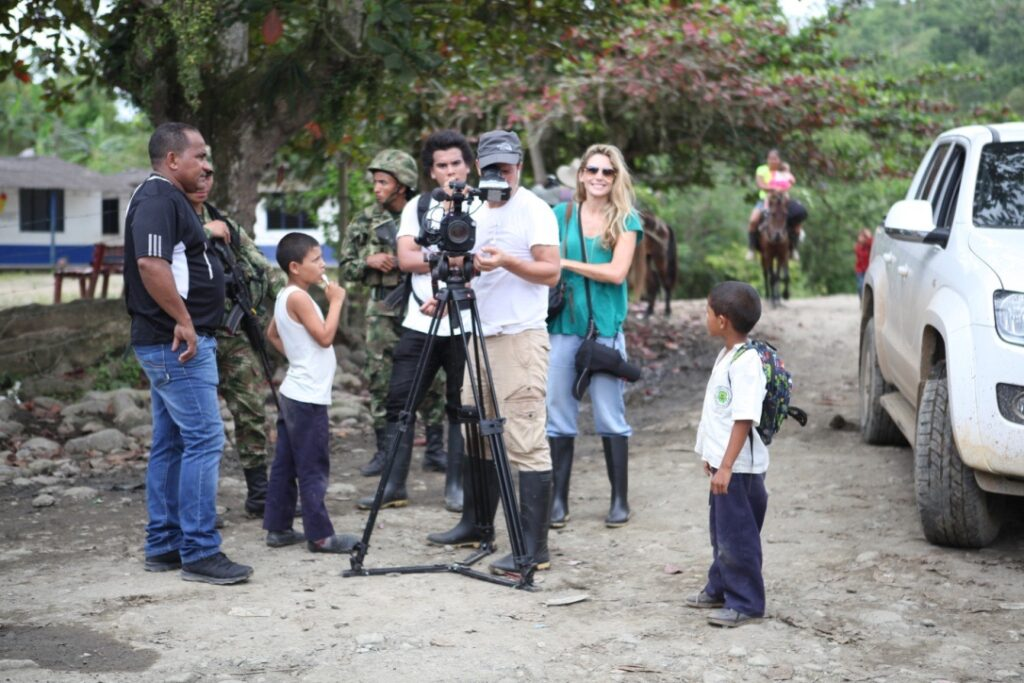 Kate Horne Colombia Documentary, Testigo - film crew