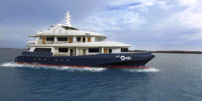 Camila Exterior, Galapagos Boat