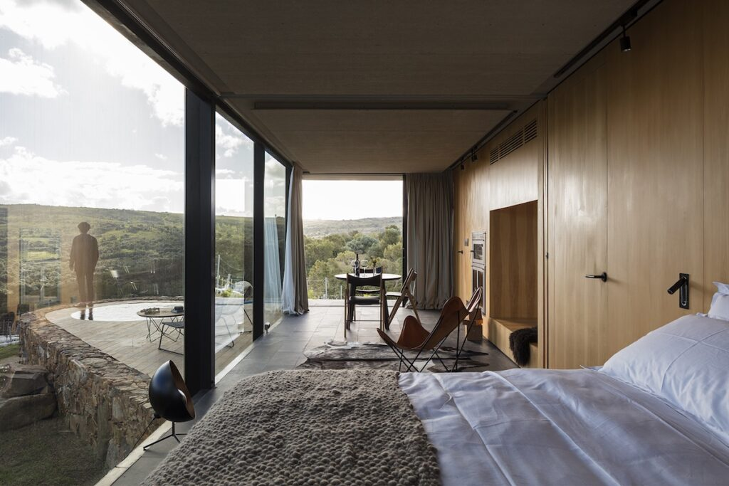 Landscape Hotel Sacromonte, Uruguay - Bedroom