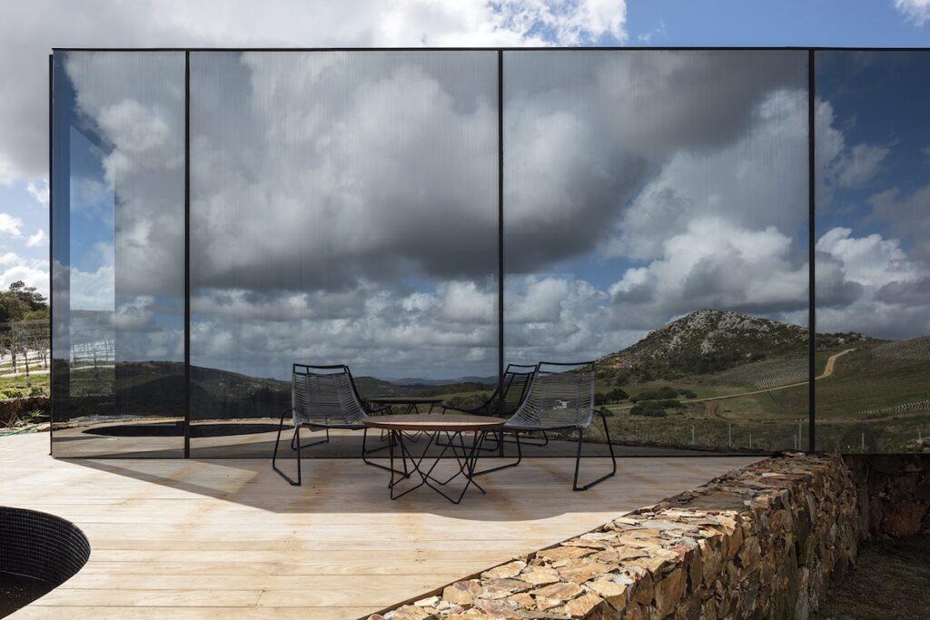 Landscape Hotel Sacromonte, Uruguay - Mirror Facade