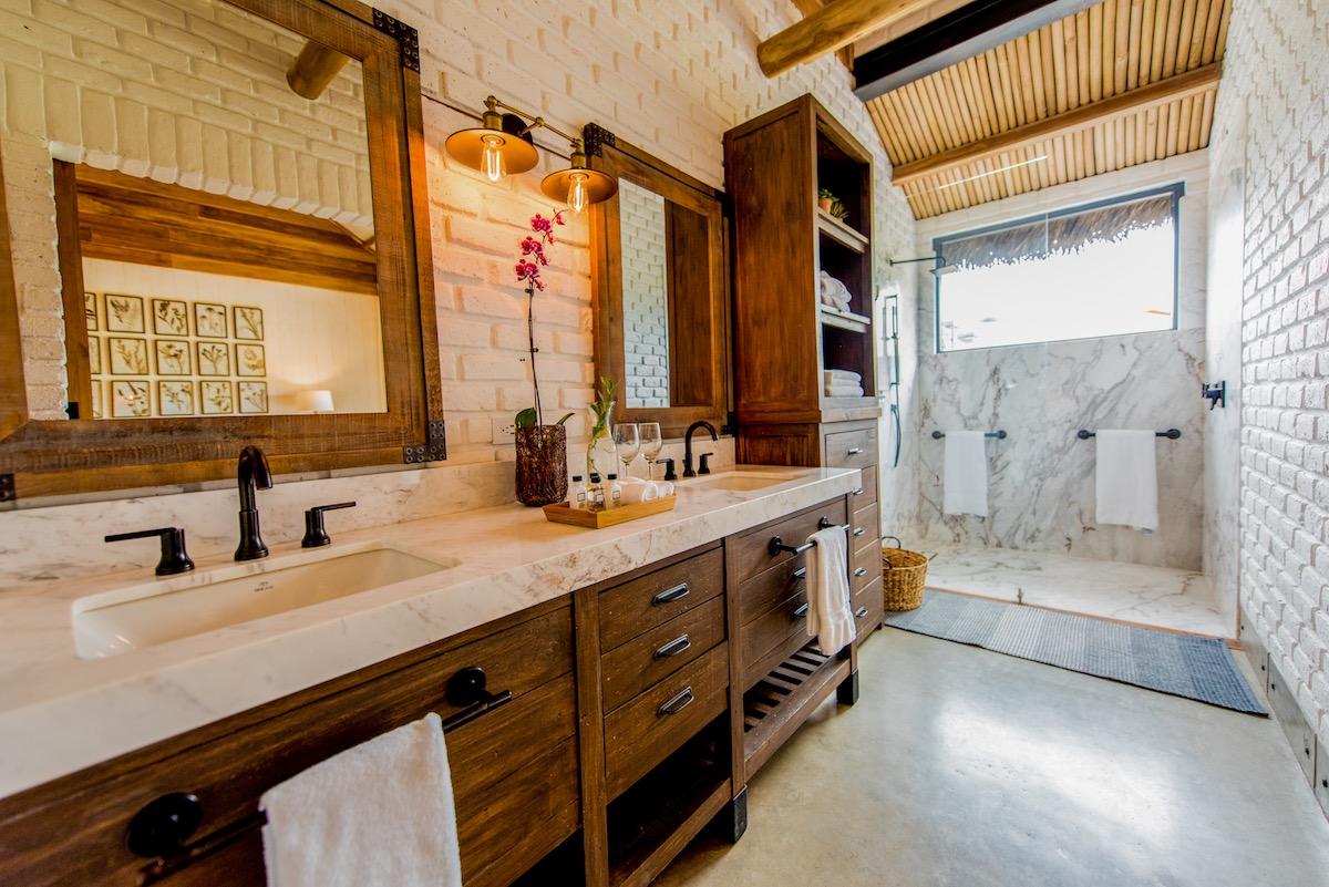 Hacienda La Danesa, Ecuador - Stable Room Bathroom
