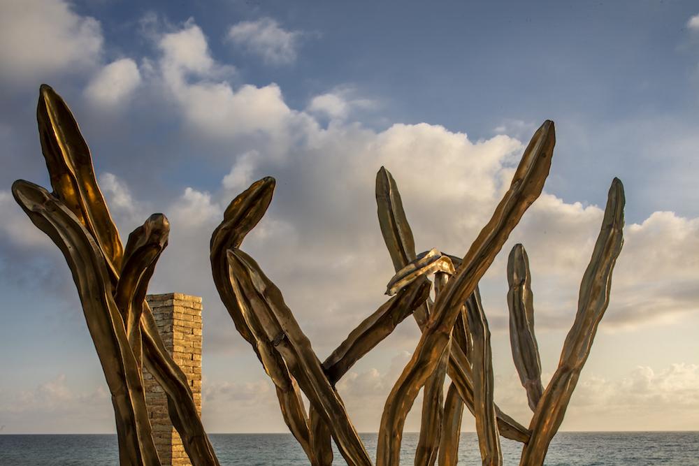 Luna Paiva installation, Faena Art Bases