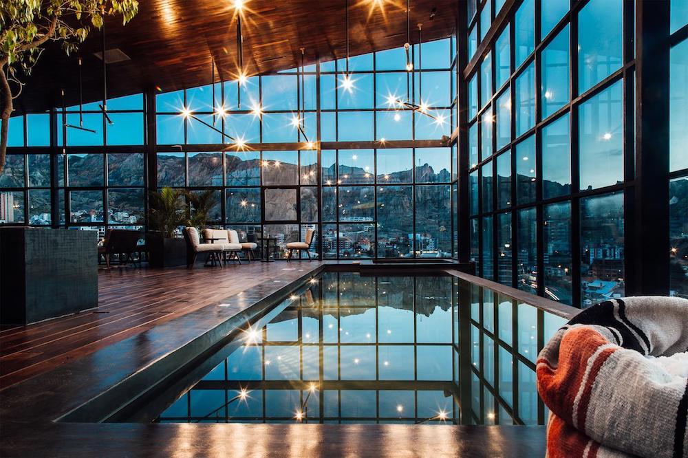 Infinity Pool Atix Hotel