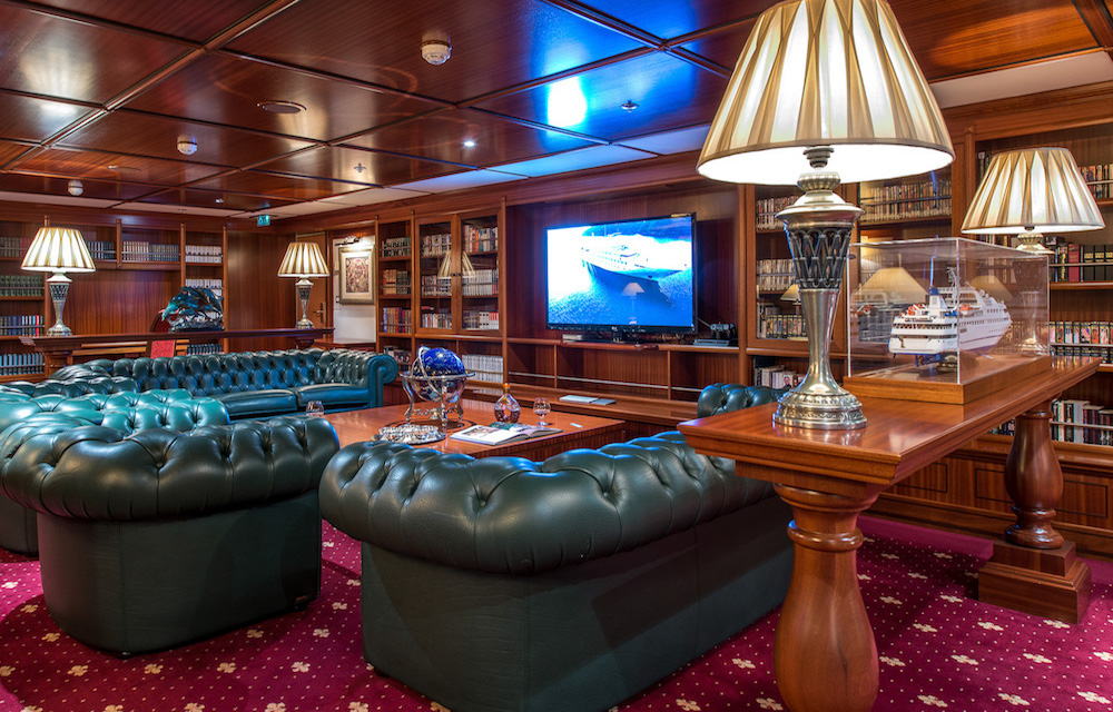 Library superyacht