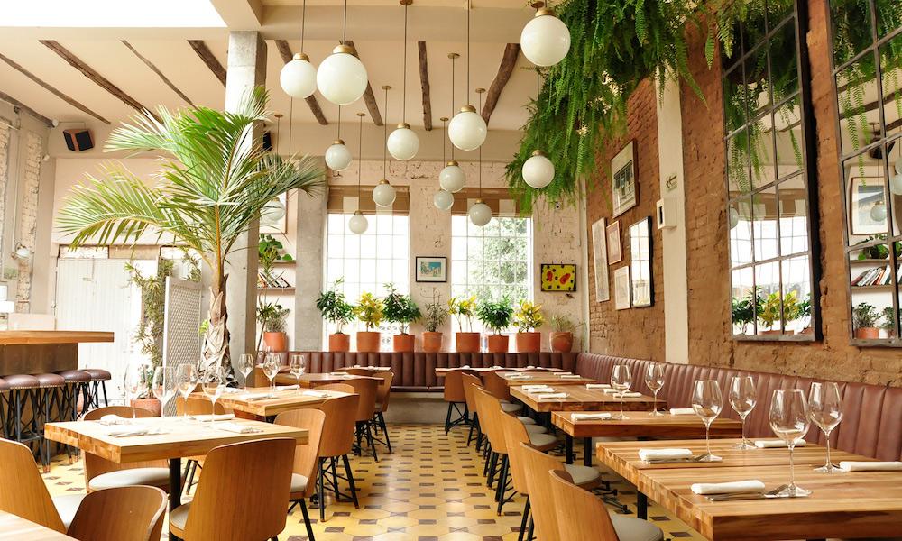 Plan South America | Cafe Bar Universal, Bogota