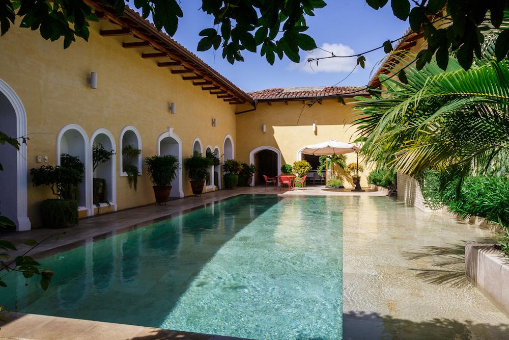 Plan South America | Calle Consulado, Granada, Nicaragua